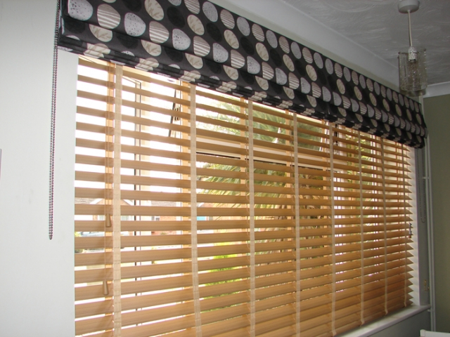 Roman blind by Couture Windows