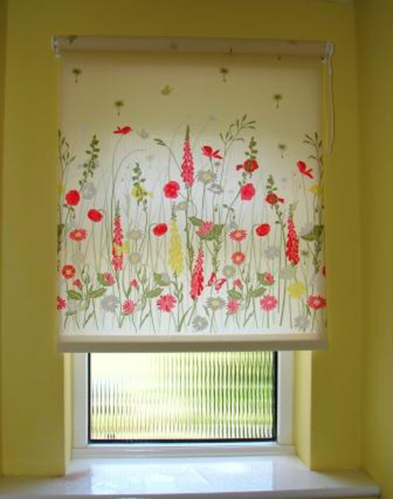 Roller blind by Couture Windows
